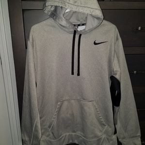 Nike Therma fit gray hoodie size L